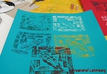 Materialdruck - Werk eines Kindes