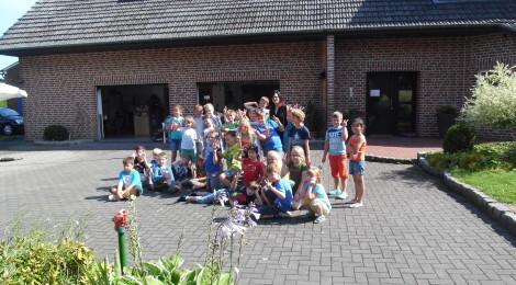 Kinder der Konrad-Duden-Grundschule besuchten Naturkunstprojekt